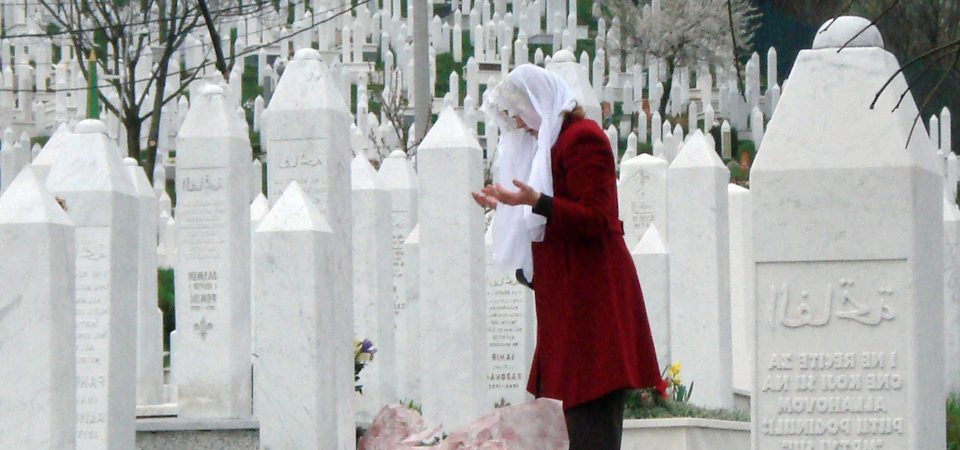 muslim-woman-praying-e1481896552132