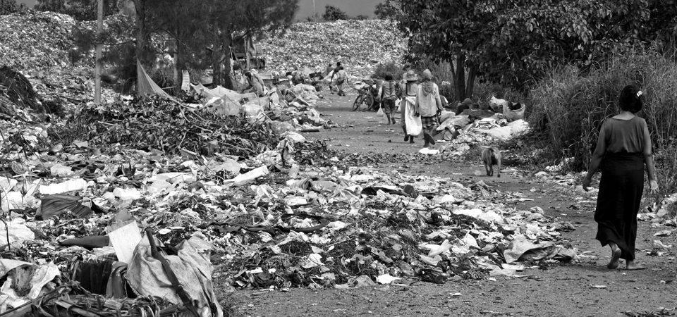 Rubbish Dump Refugees Thailand